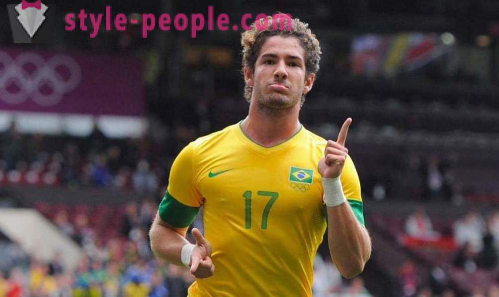 Alexandre Pato: successful years of Brazilian football career