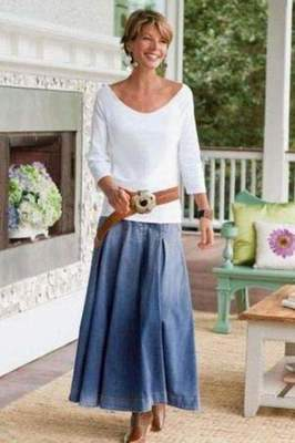 Stylish clothing for women after 50 years: photo, interesting ideas for creating images