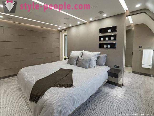Penthouse on board for $ 25 000 per hour