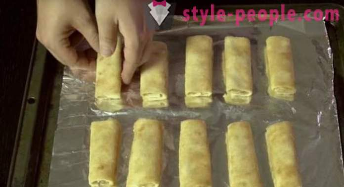 Cooking lazy strudel Lavash