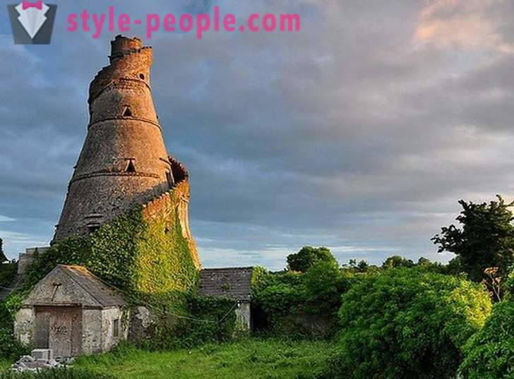 Strange and unusual attractions in Ireland