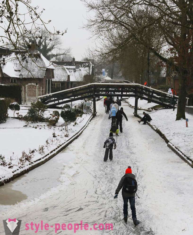 The village with no roads in the Netherlands