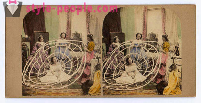 Crinoline - the most extreme fashion of the Victorian era