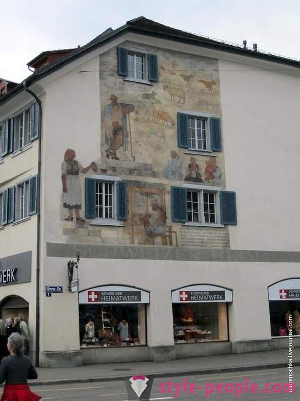 A walk through the old city of Zurich
