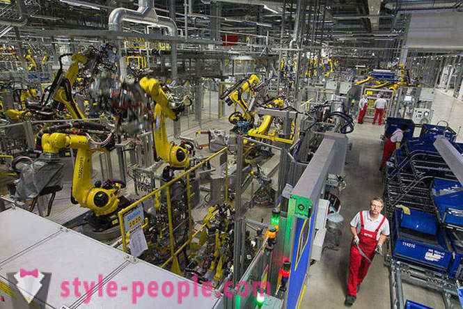 Tour of the ideal car production in Leipzig