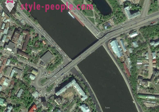 How did 10-way highway in the center of Moscow