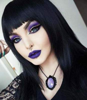 Gothic Makeup: variations and techniques involved in the home