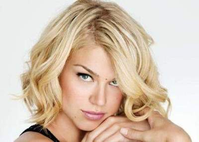Haircuts for fine hair of medium length. Which hairstyle is suitable for fine hair