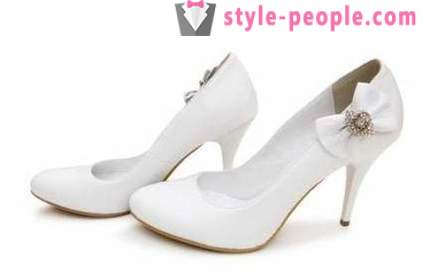 White shoes for fashionistas